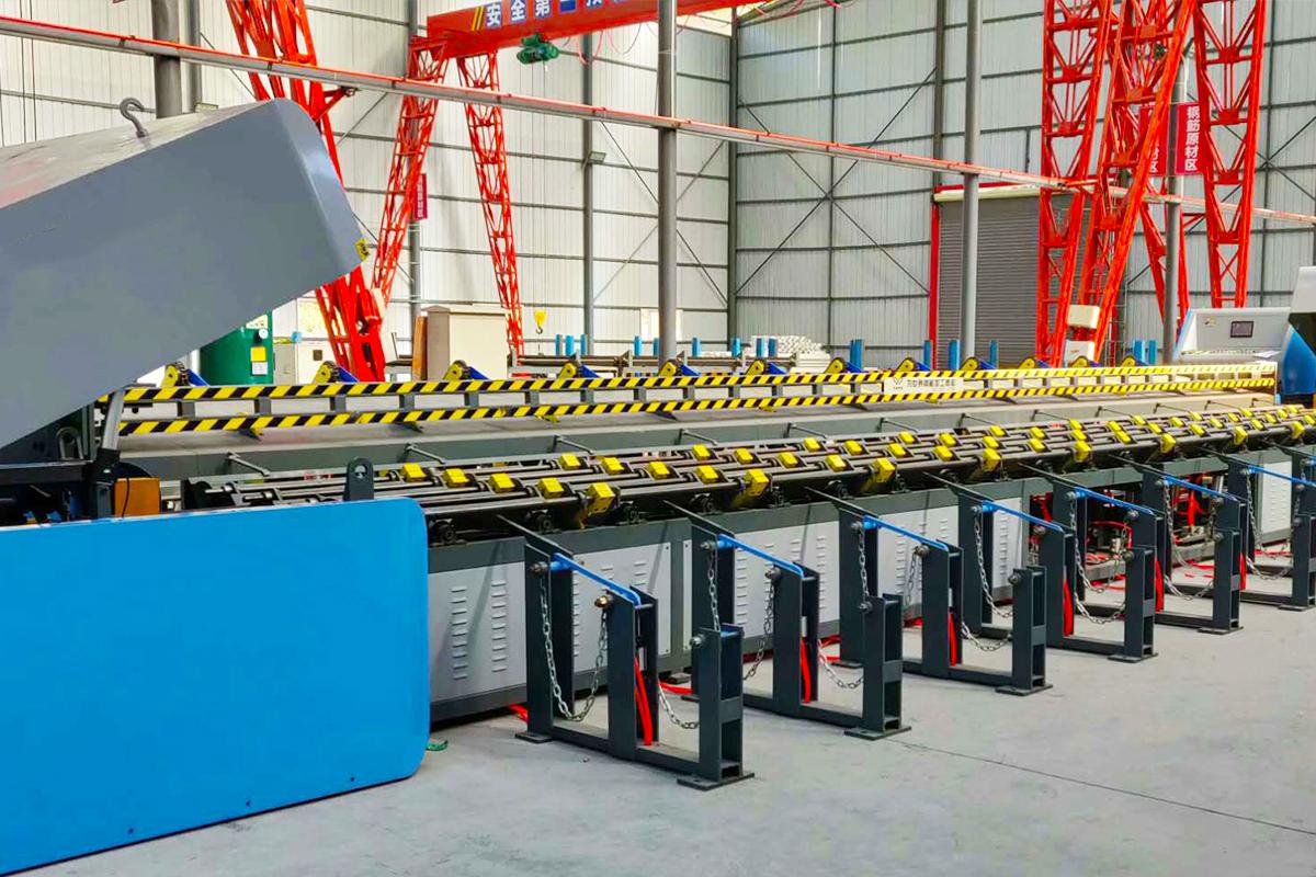 数控钢筋锯切镦粗套丝打磨生产线的安全操作规程和注意事项